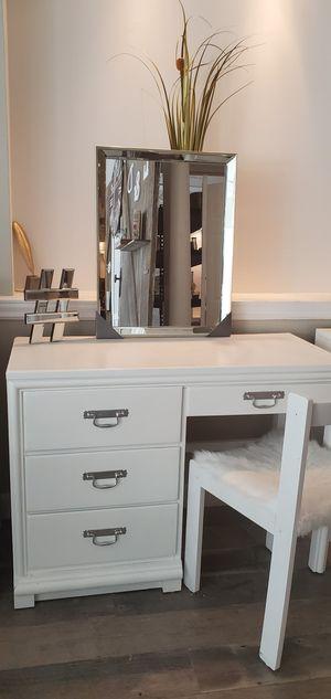 Desk vanities for Sale in Jackson Township, NJ