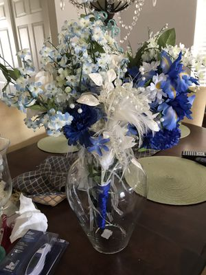 Flowers with Vase/Party Vase for Sale in Auburndale, FL