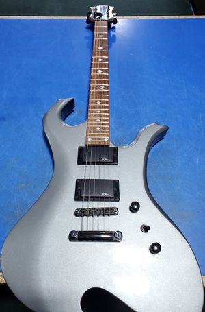 B.c Rich Signature Special Electric Guitar for Sale in Bridgeport, CT