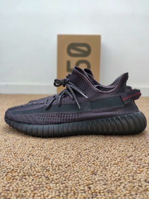 Adidas Yeezy Boost 350 V2 Black Size 9 for Sale in Los Angeles, CA
