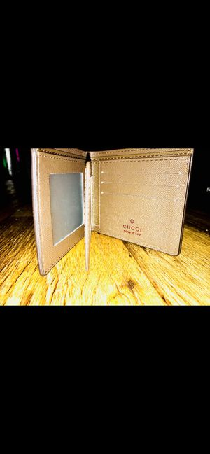 Gucci wallet for Sale in Plainfield, IN