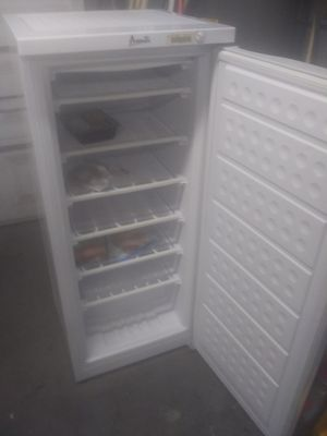 Upright freezer for Sale in Orlando, FL