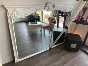Beautiful Antique French Provincial Style Mirror for Sale in Stamford, CT
