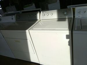 Whirlpool washer and dryer set for Sale in Swansea, IL
