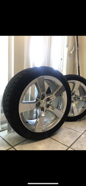 """Camaro SS 2010-2013 factory OEM 20"""" Rims w/tires for Sale in TEMPLE TERR, FL"""