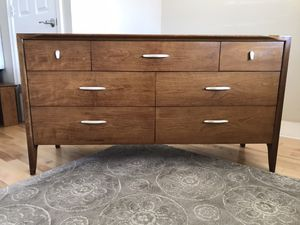 """Drexel"" MCM 7 drawer walnut dresser for Sale in Bothell, WA"