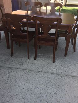 7 Pieces Dining Table Set for Sale in Fresno,  CA