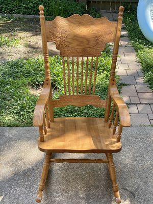 Gorgeous Solid Wood Rocking Chair for Sale in Springfield, VA