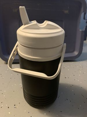 Igloo 1/2 gallon jug cooler for Sale in Columbus, OH