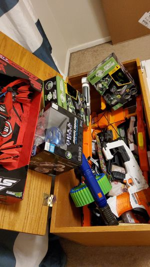 I'm selling about 24 NERF machine guns, and lasertag a set of 5 laser tag guns. Plus lots more for Sale in Albuquerque, NM