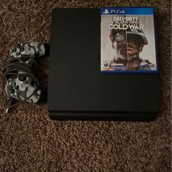 PS4 W/ Cold war for Sale in El Paso,  TX