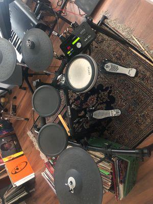 Yamaha DTX522K Electronic Drum Kit for Sale in Mesa, AZ