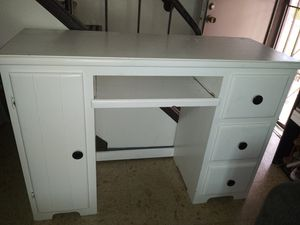 $200 **SERIOUS BUYERS ONLY** for Sale in Long Beach, CA