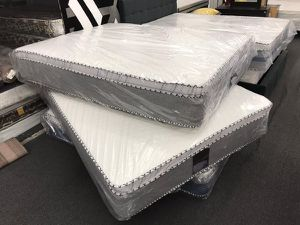full matttress with boxspring for Sale in Los Angeles, CA