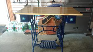 Small desk or sewing table for Sale in Marlborough, MA