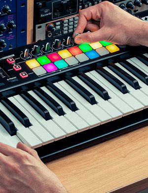 Novation launchkey 25 for Sale in Baltimore, MD