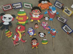 Used Ryan's World picks food tents and cupcake toppers for Sale in Upland, CA