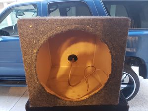 "Subwoofer Box. 10"" Sealed for Sale in HUNTINGTN BCH, CA"