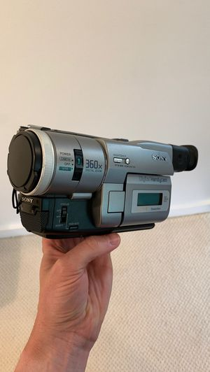 Sony DCR‑TRV103 Digital Video Camera Recorder for Sale in Kirkland, WA