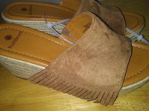 WOMEN'S RUFF HEWN WEDGE SLIP ON FRINGED Sandals Size 9 NEW WITHOUT BOX for Sale in Chicago, IL