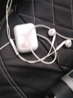 Apple Pods And Reg Apple Buds for Sale in San Angelo,  TX