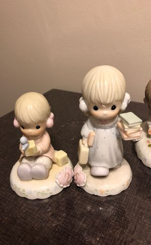 Precious moments collectibles for Sale in Chicago, IL