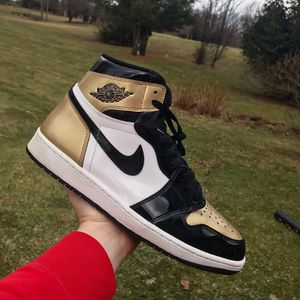 Jordan 1 gold toe size 12 for Sale in Milford Charter Township, MI