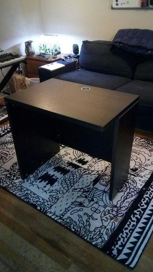 Little black desk for Sale in Seattle, WA
