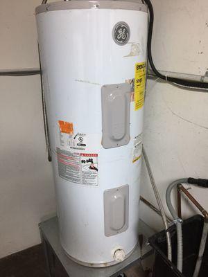 GE 30gl Water Heater for Sale in Walnut, CA