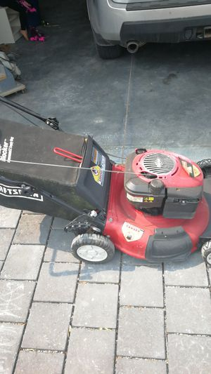 Craftsman Lawnmower Briggs and Stratton Gold 190cc for Sale in Seattle, WA