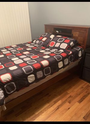 Complete full size bedroom set for Sale in Haledon, NJ