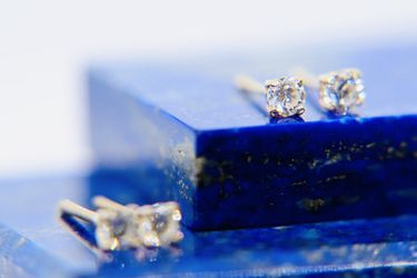 14K .585 Yellow Gold Diamond Stud Screwback Earrings for Sale in Los Angeles,  CA