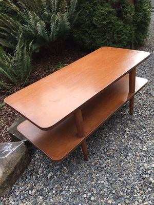 Mid century coffee table 40 x 18 x 18 for Sale in Port Orchard, WA