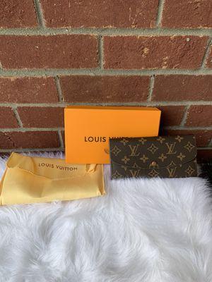 Wallet loui vuttion for Sale in Lebanon, TN