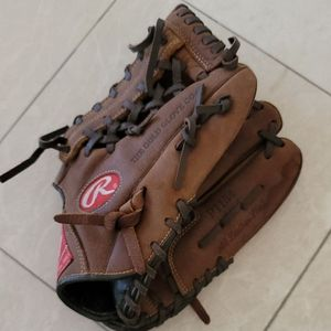 Rawling's 11.5 player preferred P1154 baseball glove 11.5 Inch for Sale in Laguna Woods, CA
