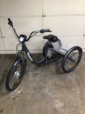 Brand New Electric Trike. NEVER USED. ** charger, battery, keys included ** for Sale in Tustin, CA