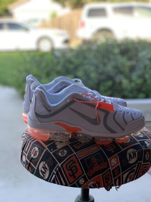 New Nike vapormax White/ Orange size 8.5 for Sale in Lathrop, CA
