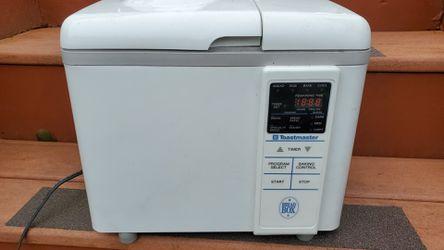 Toastmaster bread box digital bread maker for Sale in Burien,  WA