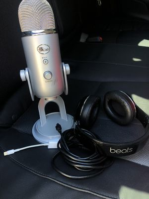 Microphone and headphones for Sale in Campbell, CA