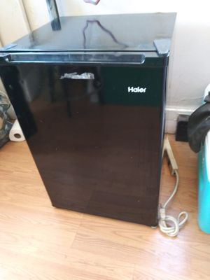 3 small refrigerators for Sale in Fresno, CA