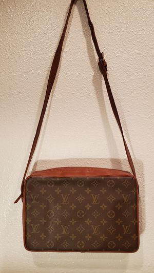 Authentic Louis Vuitton Sac Bandouliere Messenger Crossbody Bag for Sale in Los Angeles, CA