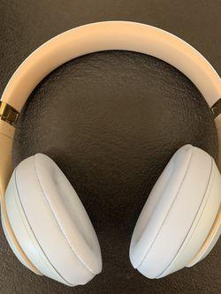 Beats Studio 3 Wireless Headphones for Sale in Ellensburg,  WA
