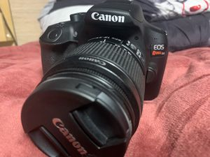 Canon rebel T6 with extra lenses 2 memory card and extras for Sale in Santa Clara, CA