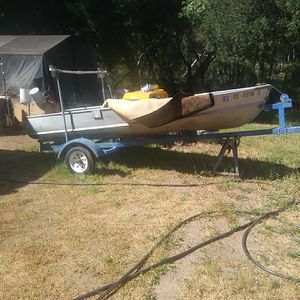 14ft Aluminum fishing boat for Sale in San Jose, CA