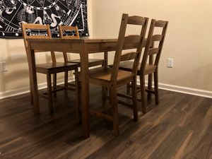 Dining table for Sale in Fountain Valley, CA