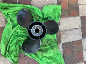 Boat propeller 48 77346 a40 19p for Sale in Franklin Park, IL