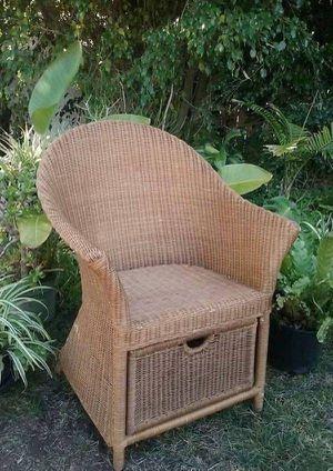 Wicker Lounge Chair w/Storage for Sale in San Diego, CA