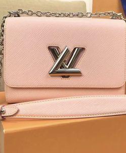 Louis Vuitton Twist MM bag for Sale in Santa Clarita,  CA