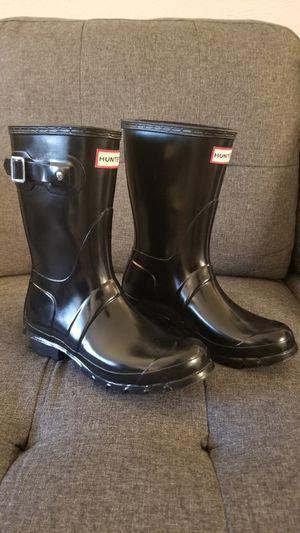 Women's size 7 hunter rain boots for Sale in Lynnwood, WA