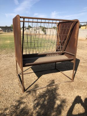Standing Hay Feeder for Sale in Gilbert, AZ